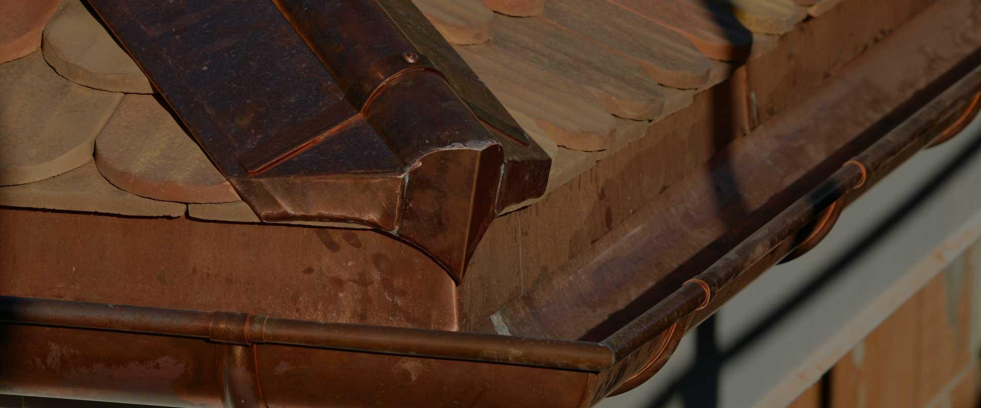 Macullo toiture<br />vu de près…