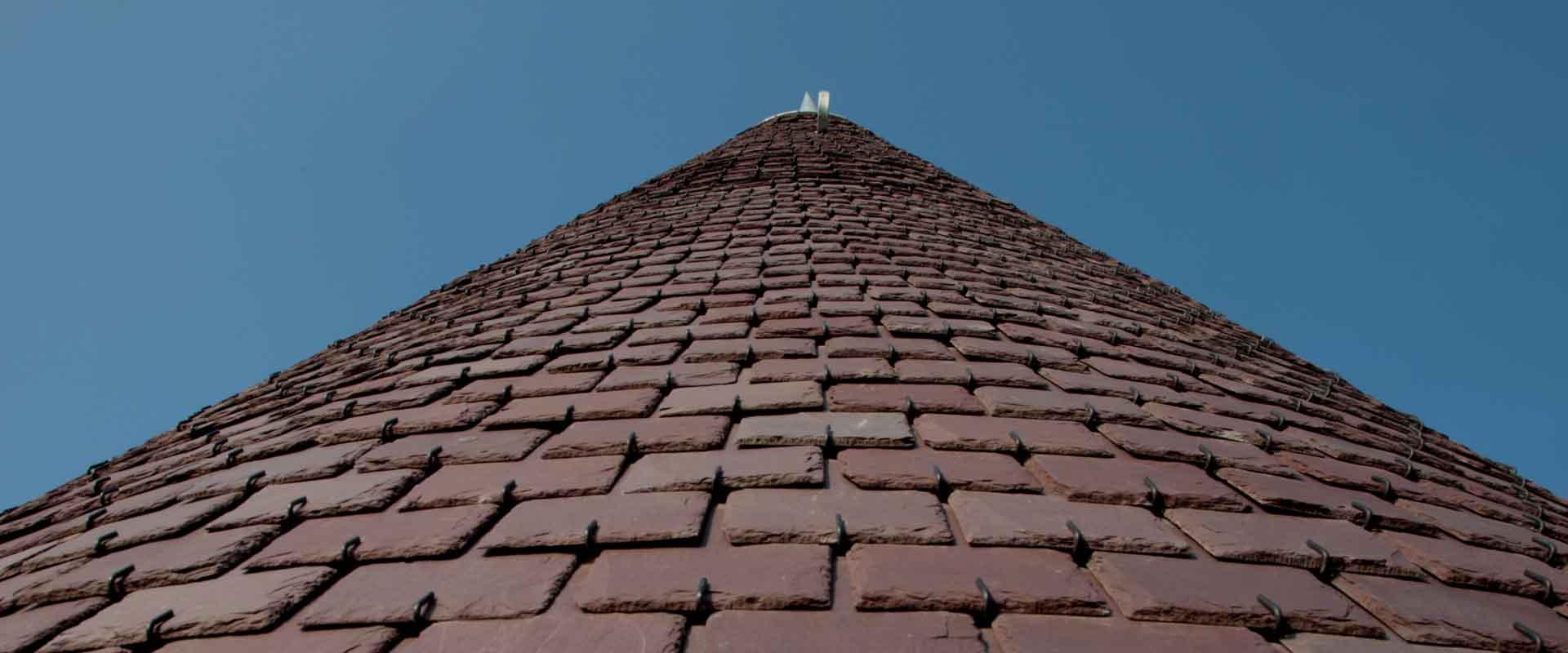Macullo toiture<br />vu d'en bas…